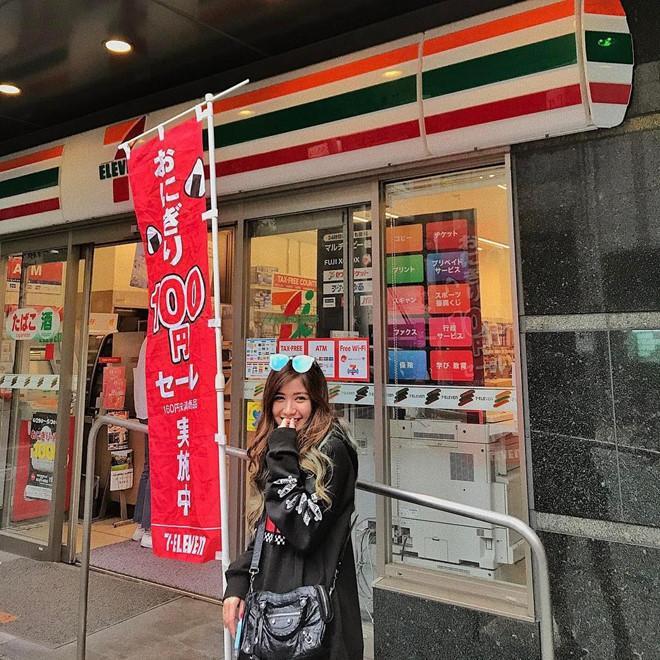 Cửa hàng tiện lợi, siêu thị thành background chất lừ cho hội sống ảo-2