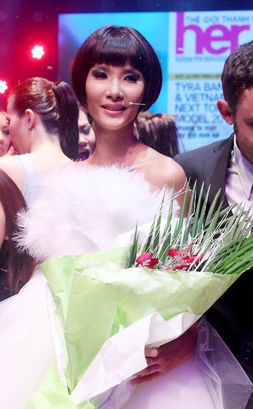 SHOCK: Hoàng Thùy quyết định cắt tóc ngắn y chang HHen Niê để chinh chiến Miss Universe 2019?-4