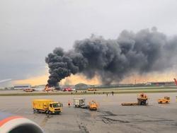 Máy bay Nga cháy rừng rực, ít nhất 41 người thiệt mạng