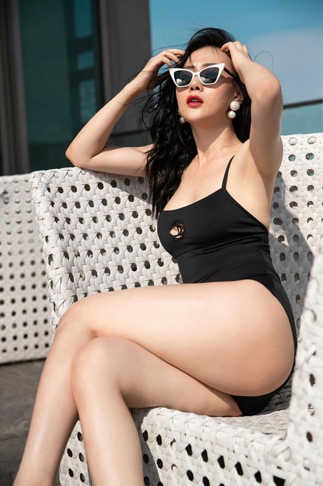 Đăng ảnh diện áo tắm sexy, Quỳnh Búp Bê Phương Oanh bị fan la ó và lời đáp trả cực thông minh-1