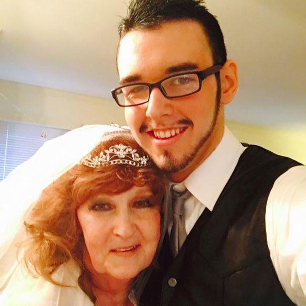 Chàng trai 19 yêu say đắm cụ bà 72 tuổi và đêm tân hôn đáng nhớ-3