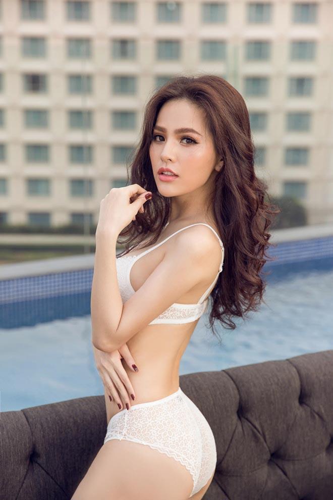 Thánh nữ Mì Gõ bị nghi lộ clip nóng Phi Huyền Trang từng có thời ngực xẹp lép trước khi sở hữu body bốc lửa-9