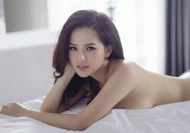 Thánh nữ Mì Gõ bị nghi lộ clip nóng Phi Huyền Trang từng có thời ngực xẹp lép trước khi sở hữu body bốc lửa-10
