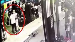 Clip sốc: Thanh niên gày gò, nhỏ bé tung cú knock out hạ gục người đàn ông lực lưỡng trong phòng gym
