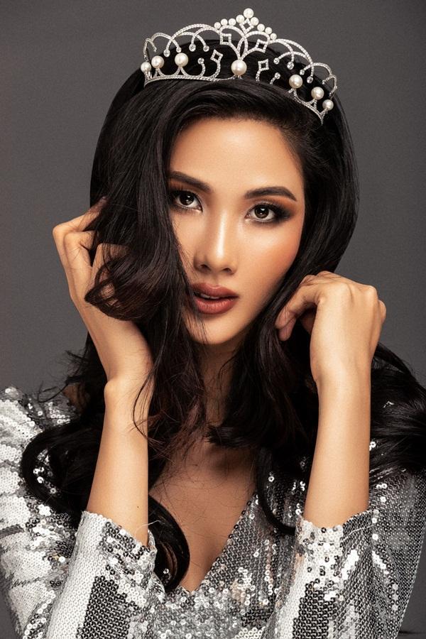 CHÍNH THỨC: Á hậu Hoàng Thùy nối gót HHen Niê chinh chiến tại Miss Universe 2019-4