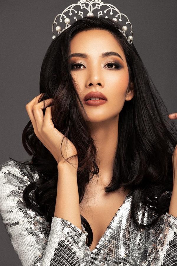 CHÍNH THỨC: Á hậu Hoàng Thùy nối gót HHen Niê chinh chiến tại Miss Universe 2019-5