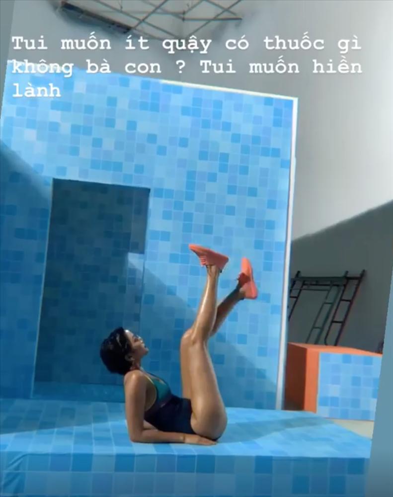 Vừa thông báo Hoàng Thùy tiếp bước thi Miss Universe, HHen Niê lại đốn tim fan với một bảo bối-2