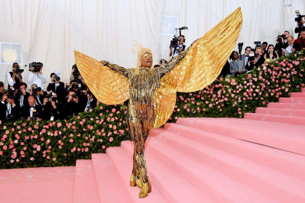 Thảm đỏ Met Gala 2019: Lady Gaga liên tục lột đồ khoe nội y, Cardi B mặc cực kín nhưng gây liên tưởng nhạy cảm, xuất hiện cả Pharaoh vàng chóe-7