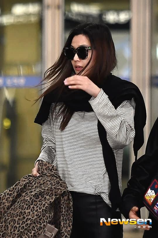 Truyền thông xứ Hàn lên án fan Trung Quốc quan tâm thái quá tới nhẫn cưới của Song Joong Ki - Song Hye Kyo-9