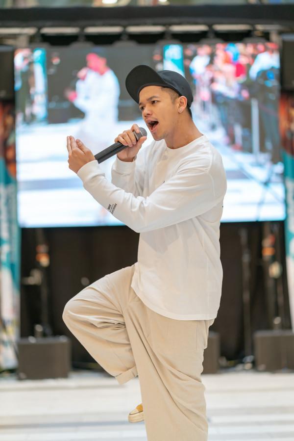 Không chỉ BBMAs 2019, Trọng Hiếu hẳn là nghệ sĩ Việt chăm chỉ nhất tuần qua với loạt dự án ở khắp 3 châu lục-6