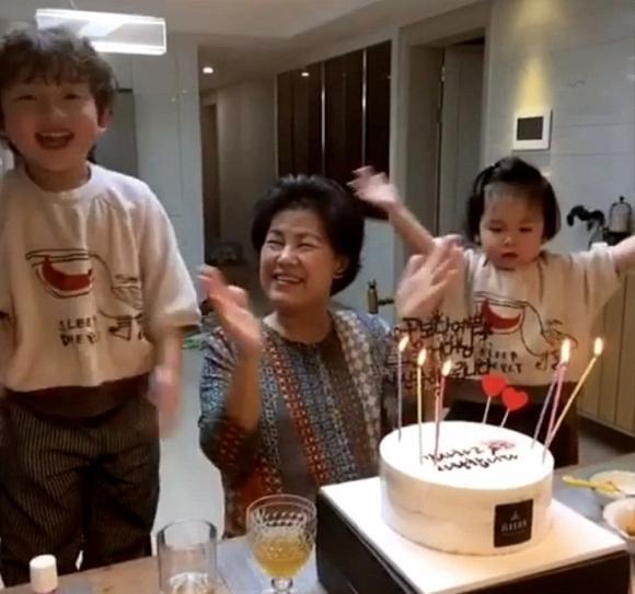 Sau nhiều nghi vấn tan vỡ với Song Joong Ki, Song Hye Kyo lại vắng mặt trong sinh nhật của mẹ chồng?-2