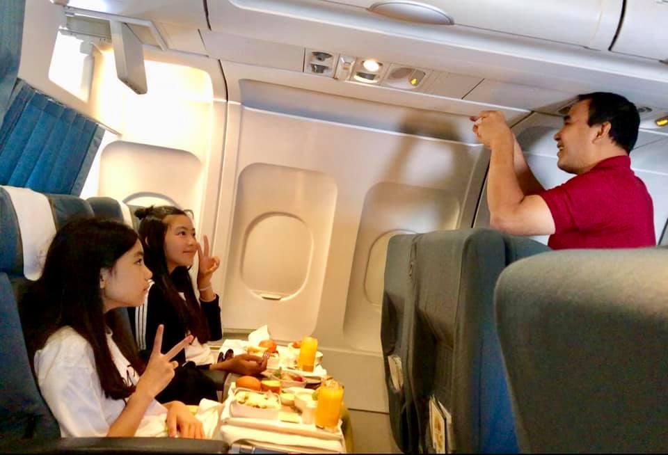 Cư dân mạng đòi hải quan tịch thu một thứ đồ rất đáng yêu của MC Quyền Linh khi đi du lịch với gia đình-2