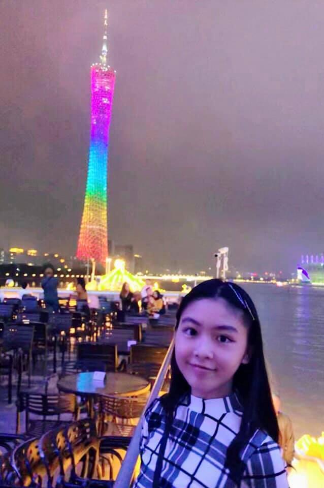 Cư dân mạng đòi hải quan tịch thu một thứ đồ rất đáng yêu của MC Quyền Linh khi đi du lịch với gia đình-9