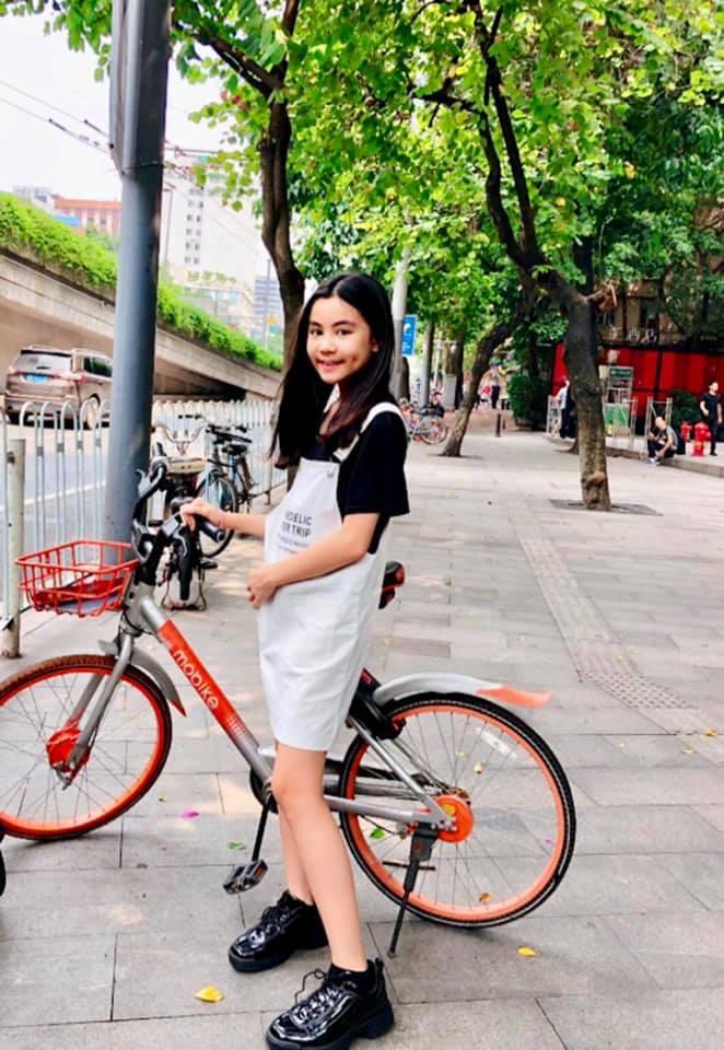 Cư dân mạng đòi hải quan tịch thu một thứ đồ rất đáng yêu của MC Quyền Linh khi đi du lịch với gia đình-12