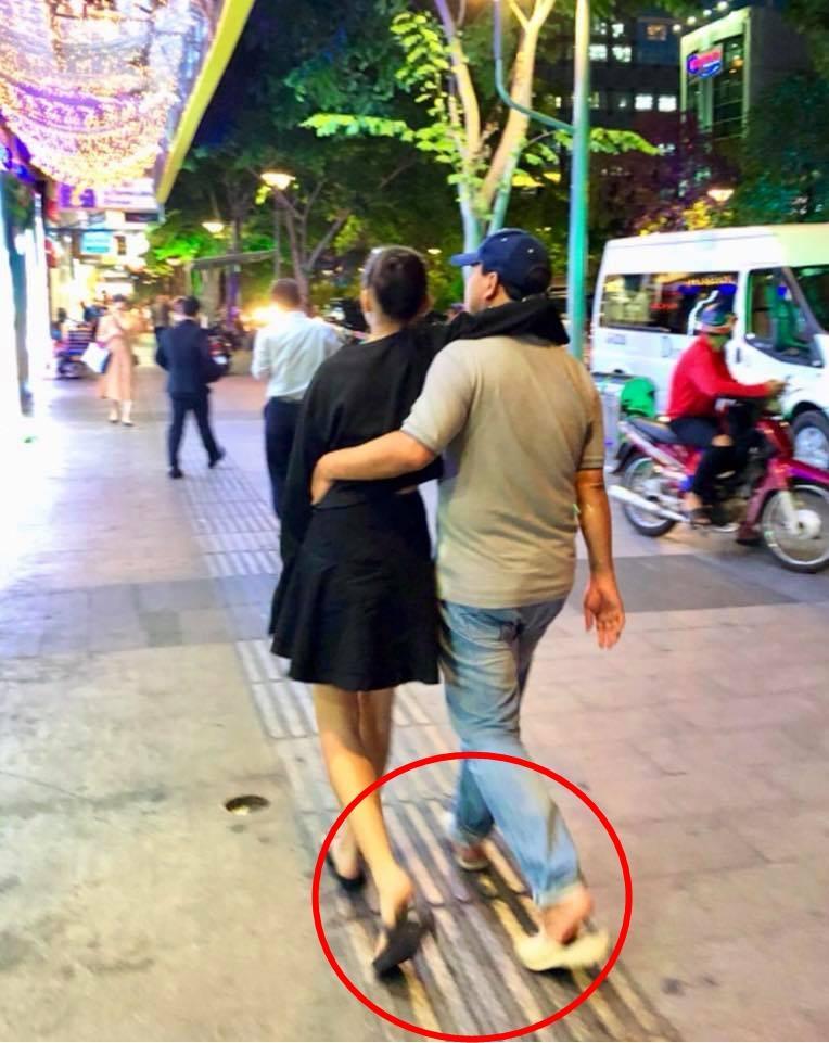 Cư dân mạng đòi hải quan tịch thu một thứ đồ rất đáng yêu của MC Quyền Linh khi đi du lịch với gia đình-16