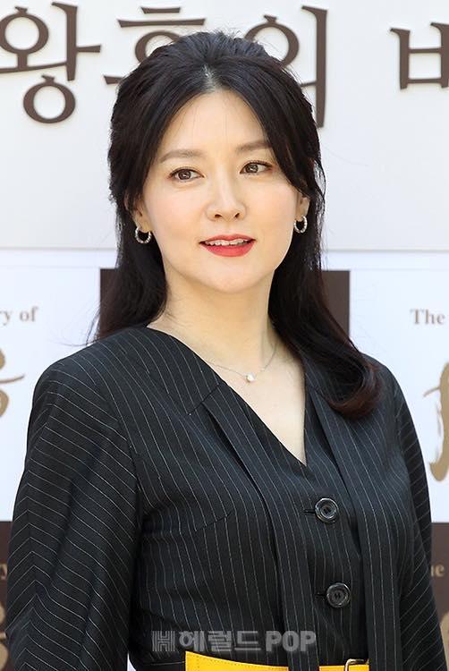 Dù đã U50, nàng Dae Jang Geum Lee Young Ae vẫn là quốc bảo nhan sắc xứ Hàn không ai có thể thay thế-2