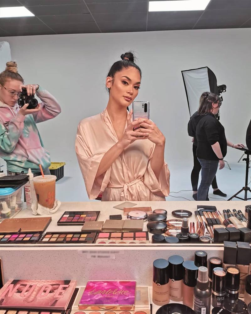 Bản tin Hoa hậu Hoàn vũ 7/5: Búp bê Barbie đẹp hơn cả Phạm Hương khoe nụ cười gây thương nhớ-7
