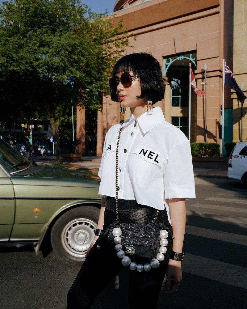 Chị em nhà Thiều Bảo Trang - Thiều Bảo Trâm khoe street style đối nghịch: Em sexy hết cỡ - chị hiphop chất lừ-2
