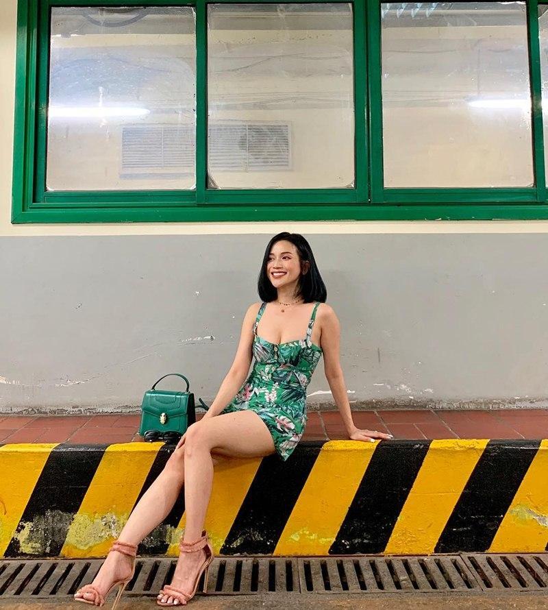 Chị em nhà Thiều Bảo Trang - Thiều Bảo Trâm khoe street style đối nghịch: Em sexy hết cỡ - chị hiphop chất lừ-7