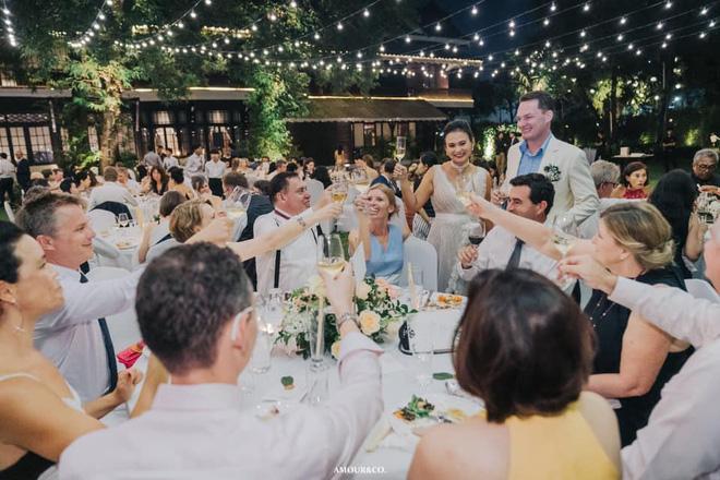 Khép lại hôn nhân với diva Hồng Nhung, chồng cũ ngoại quốc đang tận hưởng những ngày tháng hạnh phúc bên người vợ mới-6