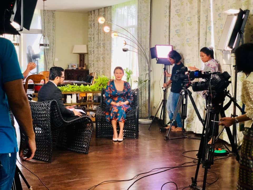 Khép lại hôn nhân với diva Hồng Nhung, chồng cũ ngoại quốc đang tận hưởng những ngày tháng hạnh phúc bên người vợ mới-8