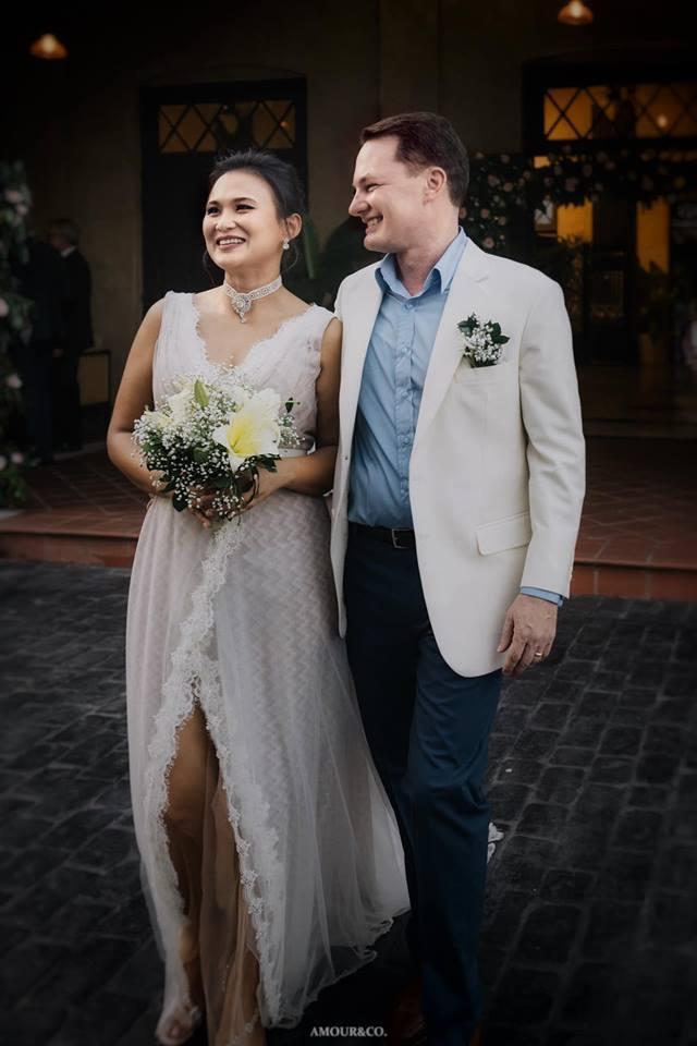 Khép lại hôn nhân với diva Hồng Nhung, chồng cũ ngoại quốc đang tận hưởng những ngày tháng hạnh phúc bên người vợ mới-3