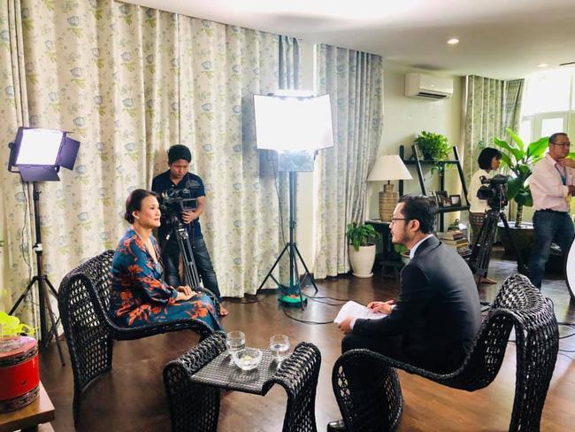 Khép lại hôn nhân với diva Hồng Nhung, chồng cũ ngoại quốc đang tận hưởng những ngày tháng hạnh phúc bên người vợ mới-9