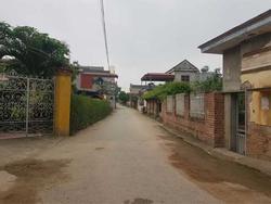 Hàng xóm khẳng định, gia đình nam sinh bị nghi làm 4 bạn gái mang bầu đã đón mẹ con H về nuôi