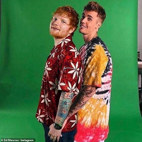Justin Bieber thản nhiên sờ chỗ hiểm giữa chốn công cộng-5