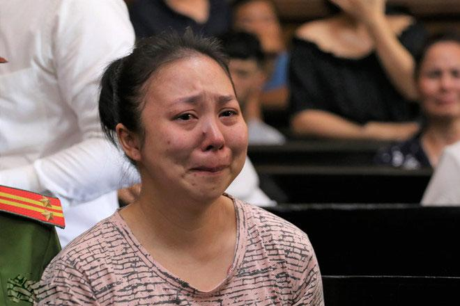 Hot girl Ngọc Miu nước mắt ròng ròng khi đối mặt 20 năm tù, trùm ma túy Văn Kính Dương bị đề nghị án tử-8