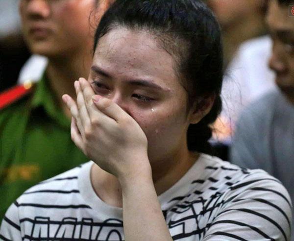 Hot girl Ngọc Miu nước mắt ròng ròng khi đối mặt 20 năm tù, trùm ma túy Văn Kính Dương bị đề nghị án tử-4
