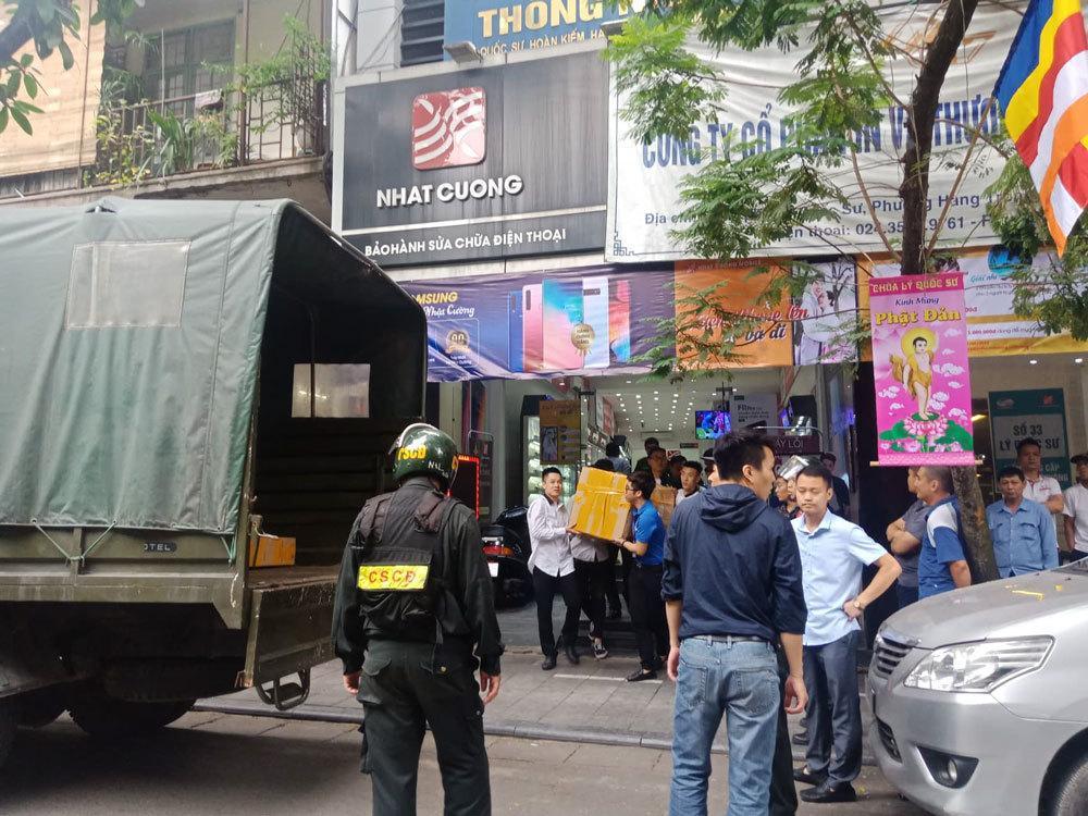 NÓNG: Chuỗi cửa hàng điện thoại của Nhật Cường Mobile bị khám xét, nhiều địa điểm đã đóng cửa-6