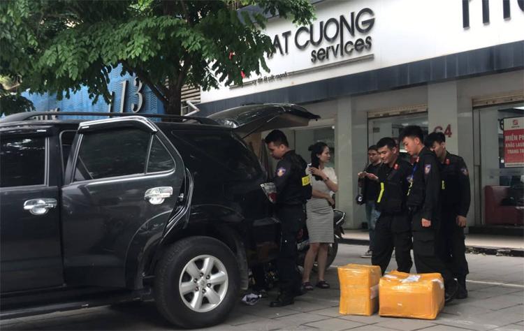 NÓNG: Chuỗi cửa hàng điện thoại của Nhật Cường Mobile bị khám xét, nhiều địa điểm đã đóng cửa-2