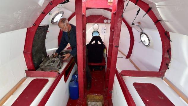 Người đàn ông 71 tuổi vượt Đại Tây Dương trong chiếc thùng khổng lồ-2