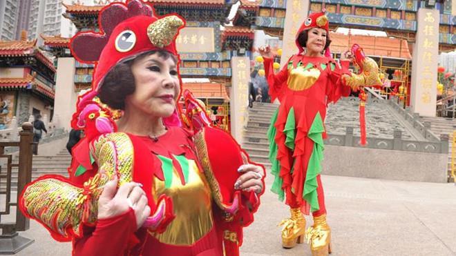 Thảm họa thẩm mỹ Hong Kong làm đủ nghề để kiếm sống ở tuổi U90-2