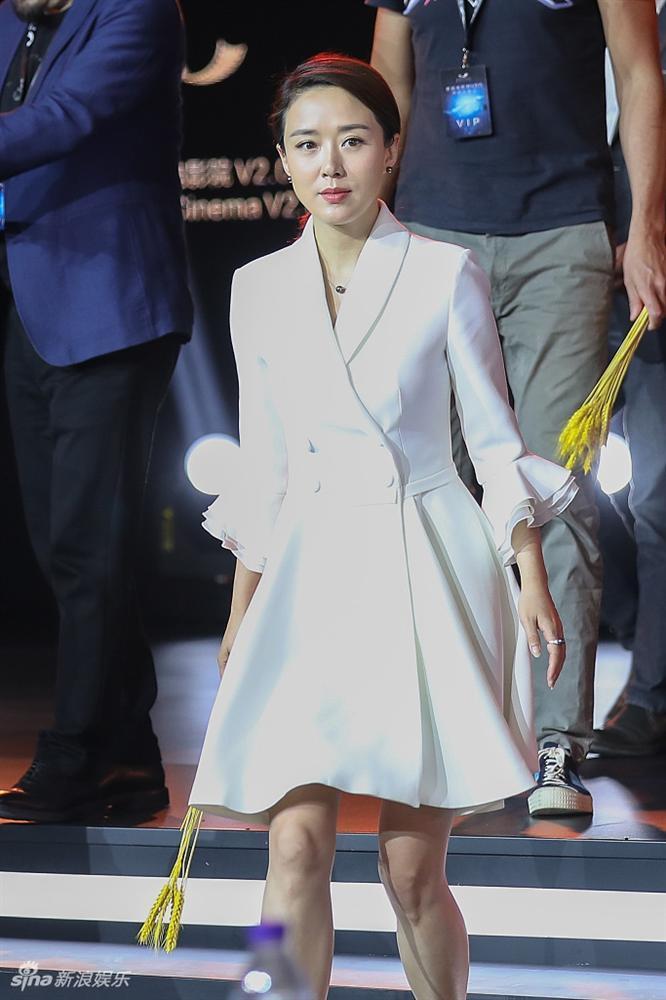 Hằng Nga đẹp nhất màn ảnh trẻ trung khó tin ở tuổi U50-3