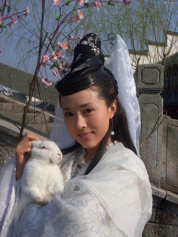 Hằng Nga đẹp nhất màn ảnh trẻ trung khó tin ở tuổi U50-7