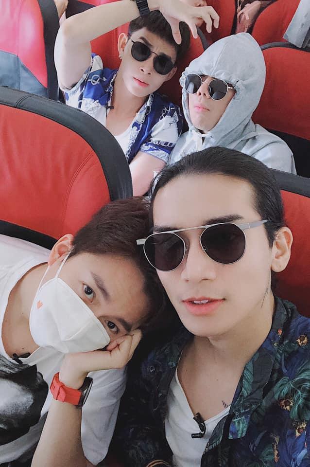Sau tuyên bố là vợ chồng, Ngô Kiến Huy và BB Trần lại gây sốt với ảnh tình tứ làm đẹp cho nhau-1