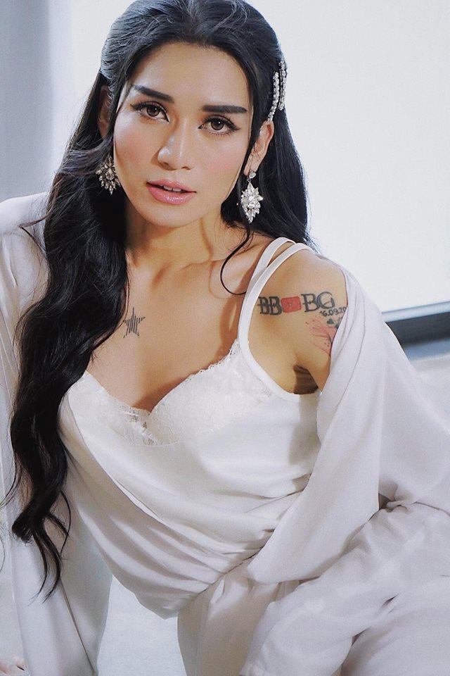 Sau tuyên bố là vợ chồng, Ngô Kiến Huy và BB Trần lại gây sốt với ảnh tình tứ làm đẹp cho nhau-9