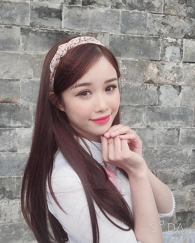 Bạn gái Văn Toàn đổi phong cách, khoe dáng mặc bikini gợi cảm-3