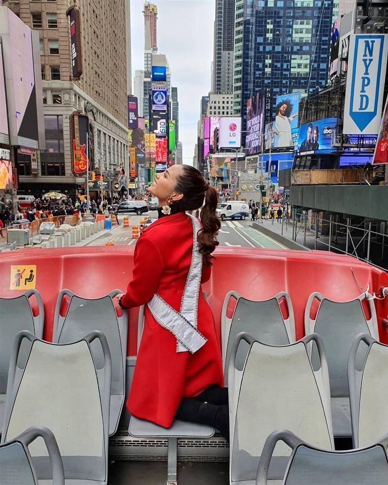 Bản tin Hoa hậu Hoàn vũ 10/5: Đẹp như Phạm Hương và HHen Niê cũng phải nhường bước trước tuyệt sắc giai nhân U60-6