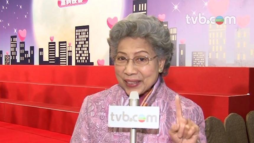 Các diễn viên TVB ở tuổi xưa nay hiếm vẫn lăn lộn ở phim trường-6