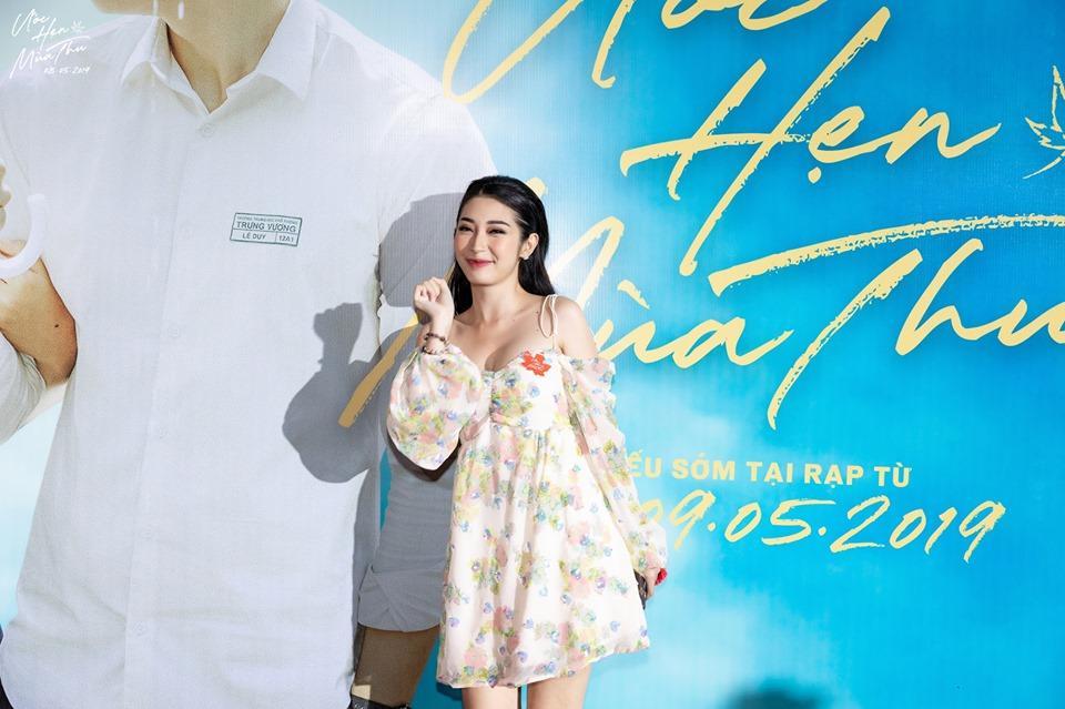 SAO MẶC XẤU: Hương Giang lộ bụng to tướng - Khổng Tú Quỳnh xuề xòa mặc váy ngủ dự sự kiện-1