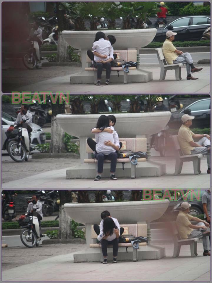 Không đội mũ bảo hiểm còn vô tư sờ soạng, hôn hít khi đi xe máy, cặp học sinh bị lên án khi yêu đương sai chỗ-8