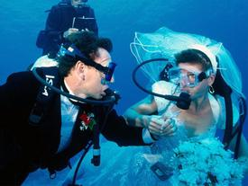 Đám cưới dưới đáy biển quy mô lớn nhất thế giới ở Thái Lan