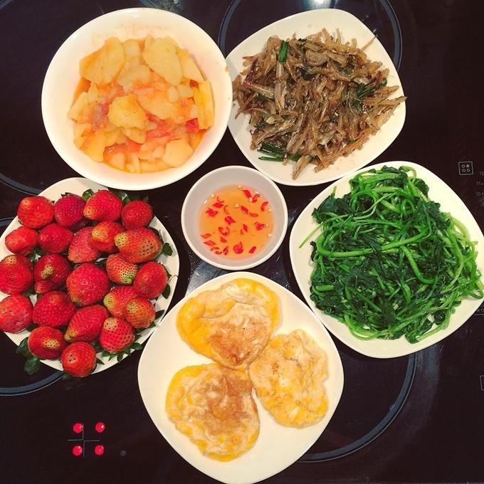 Mâm cơm của vợ đảm khiến chồng đi đâu cũng nhớ về nhà ăn cơm-3