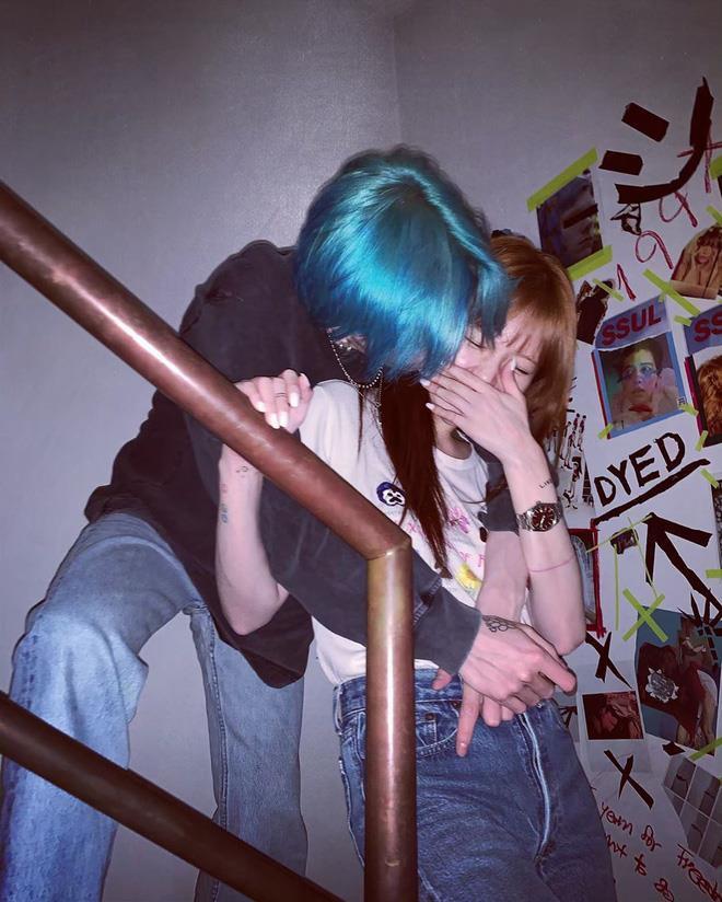 Bạn trai phờ phạc trong bộ ảnh kỷ niệm 3 năm yêu nhau với Hyuna-5