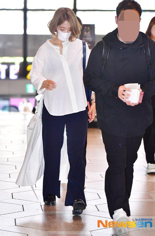 Park Shin Hye trẻ trung khác lạ khi biến hóa với tóc màu nổi-2