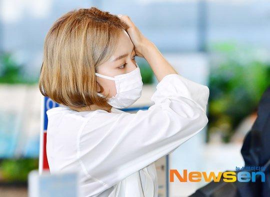 Park Shin Hye trẻ trung khác lạ khi biến hóa với tóc màu nổi-3
