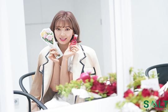 Park Shin Hye trẻ trung khác lạ khi biến hóa với tóc màu nổi-5